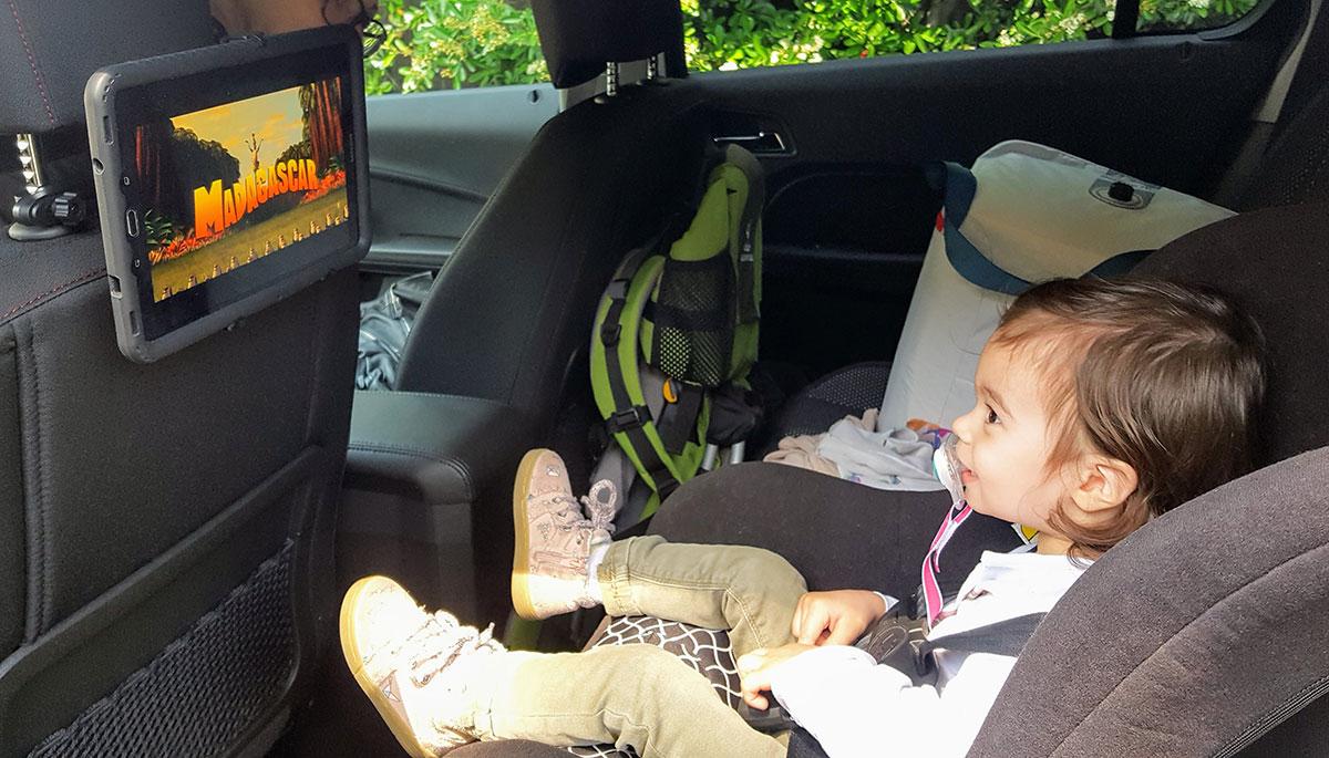 Bébé voyage en voiture